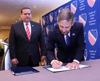 VA LULAC signing partnership agreement