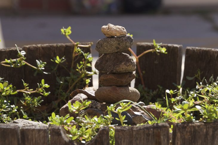 Rock stacking therapeutic art