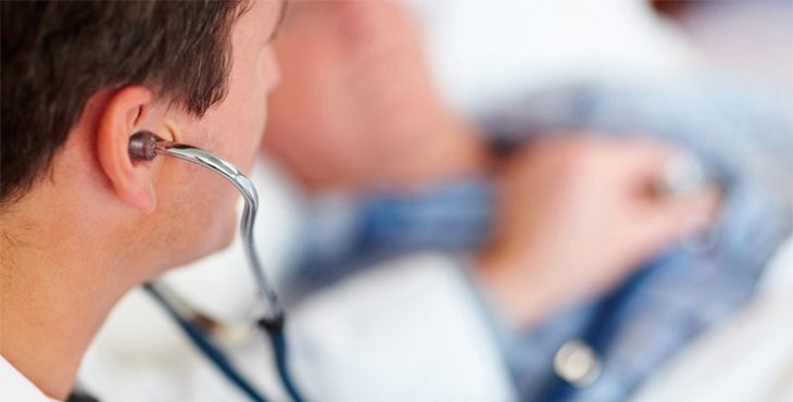 Stock IMAGE: Doctor examining a patient