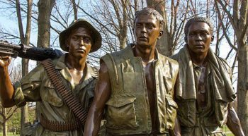 Statue of three Vietnam-era soldiers