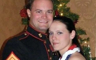 Photo of soldier and lady Veteran